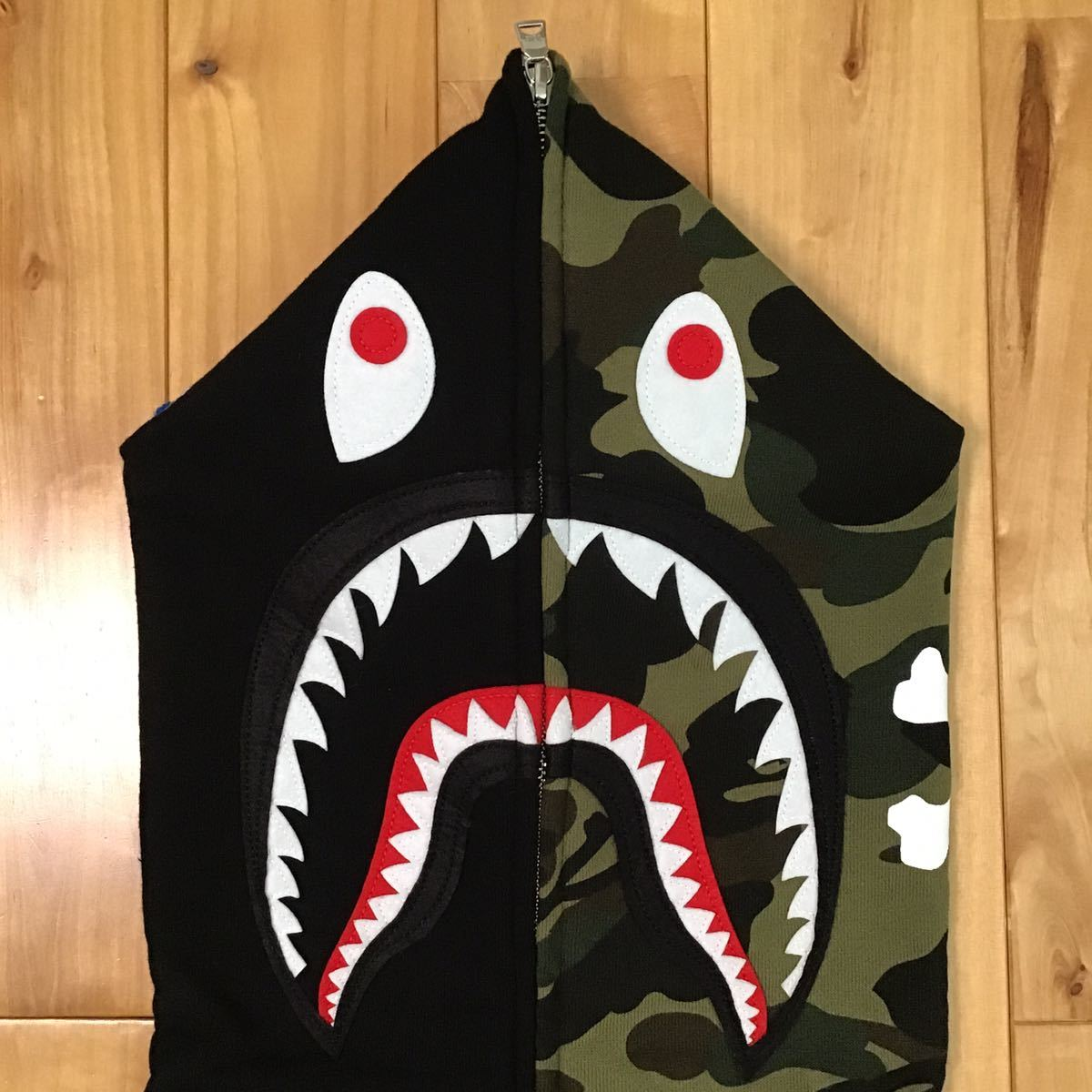 ★香港限定★ mastermind vs BAPE シャークパーカー Sサイズ shark full zip hoodie hong kong mmj a bathing ape マスターマインド ベイプ_画像2