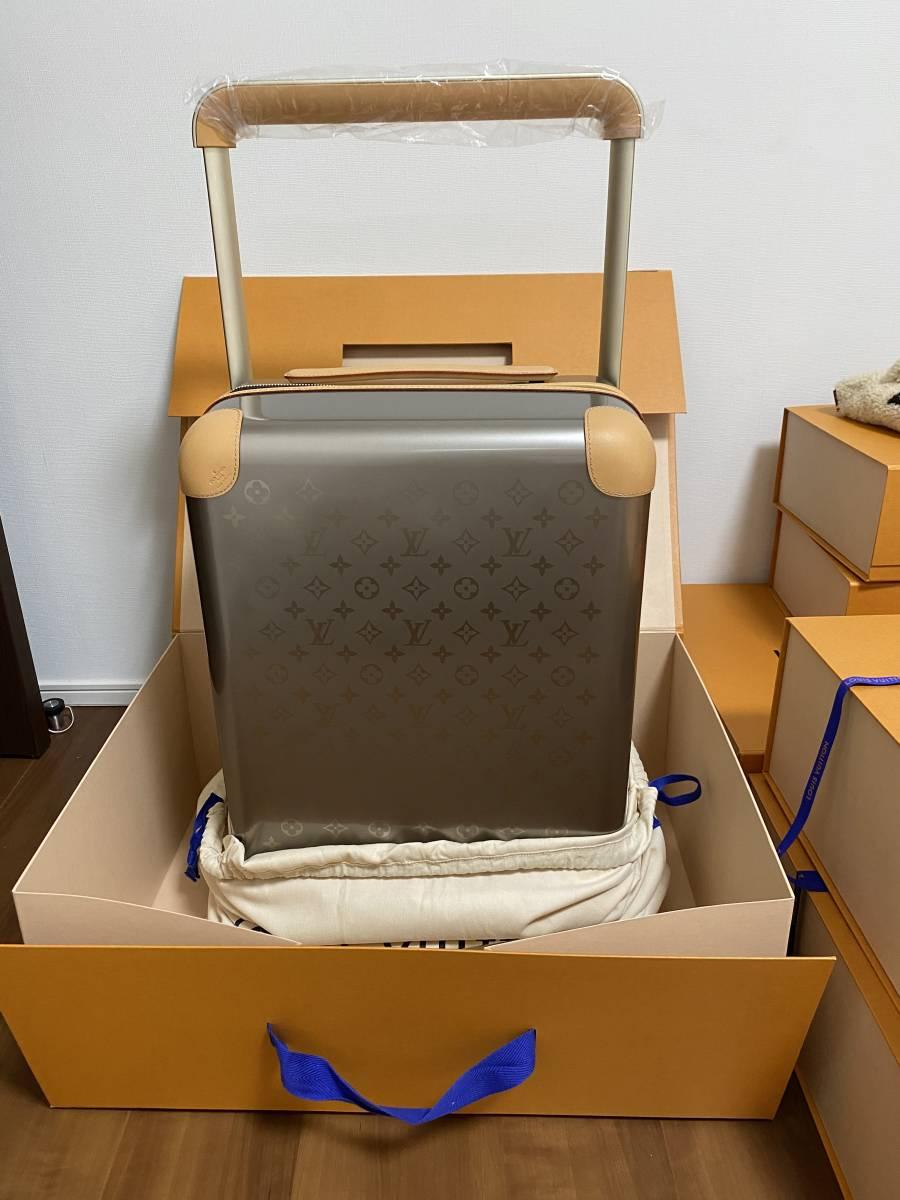 定価149万 Louis Vuitton HORIZON55 TITANIUM M42667 ルイ・ヴィトン ホライゾン55 モノグラム ケース チタン トラベルキャリーバッグ _画像1