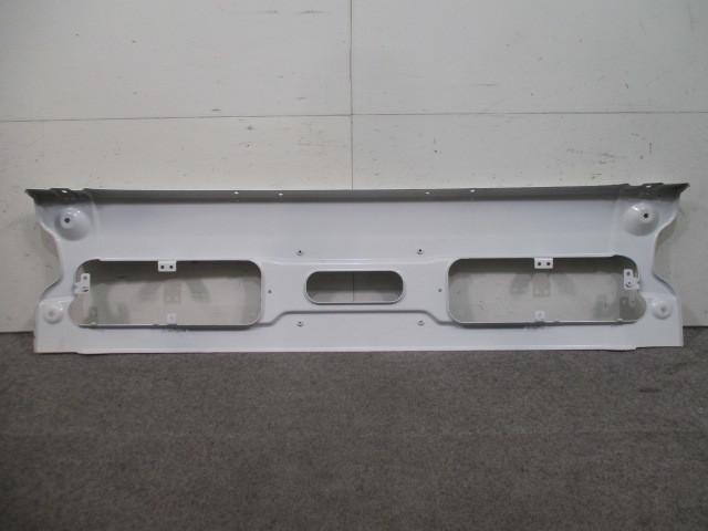 k on H17/1~H29/3 front bumper Nissan UD (100867)