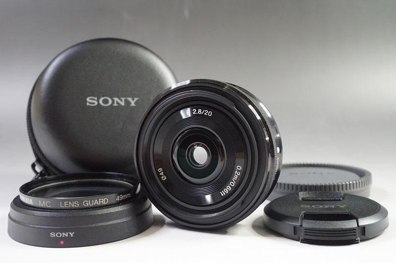 【368】美品 SONY/ソニー SEL20F28 E 20mm F2.8 φ49 カメラレンズ+フィルターレンズ+ケース Eマウント ミラーレス一眼デジタルカメラ
