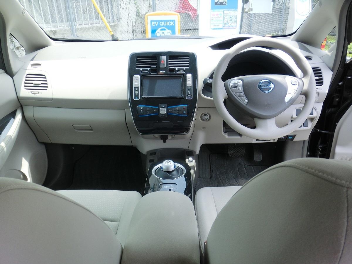 「H24 日産リーフ 黒 G 車検3年6月まで 200V充電コード 美車」の画像3