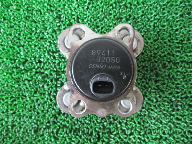 H21 ダイハツ タント カスタムX リミテッド DBA-L375S 『 リアハブ 89411-B2050 』TT13_画像1