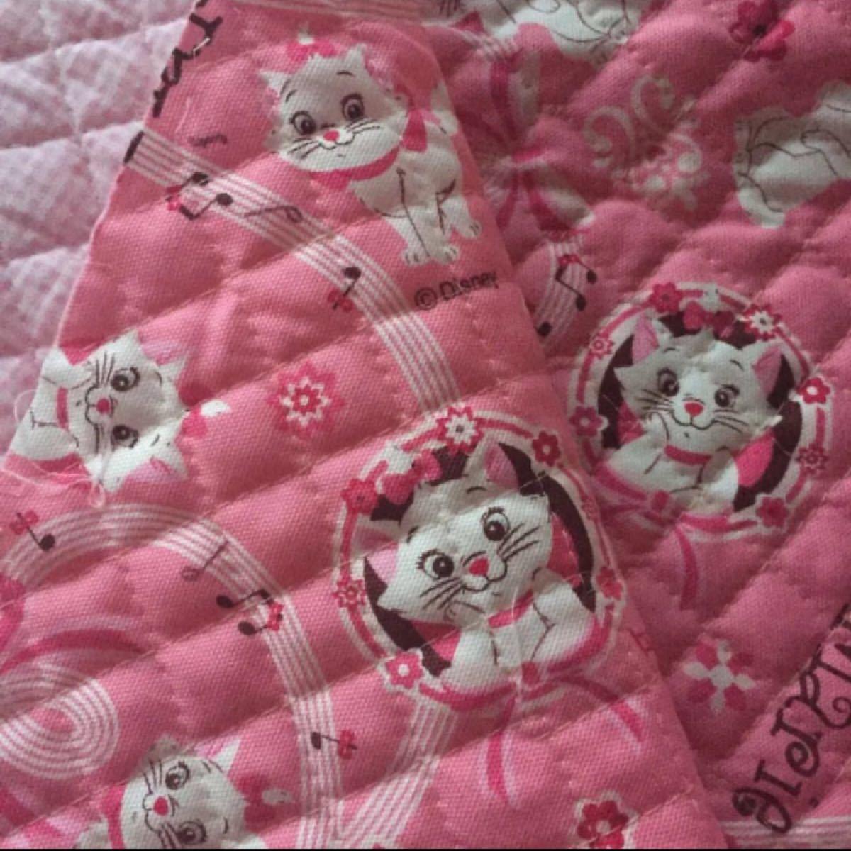 キルティング 60×65 マリー ディズニー 猫 はぎれ 布 ピンク レトロ