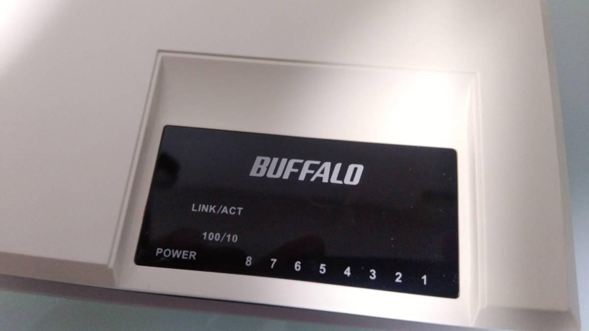 BUFFALO スイッチングハブ 2台 LSW3-TX-5NS/WH(5ポート) と LSW-TX-8EP(8ポート)