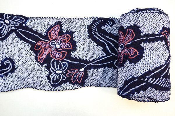 1035C1◆昔の反物◆有松絞り◆浴衣地◆花と蝶◆湯のし前◆未使用◆藍染木綿古布◆綿100%◆リメイク素材_画像5