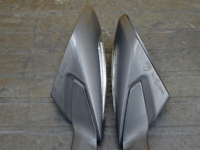 【200701】1199パニガーレS '12◇ ミラー 左右セット LEDウインカー内蔵型 【ドゥカティ スーパーバイク ABS付_画像6