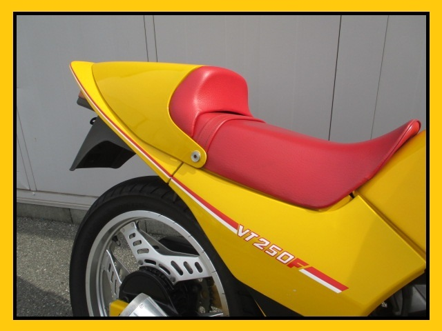 VT250F 初期型 MC08 レストア車 美車 当時物 忠男マフラー バックステップ シングルシート VT250FC 走り屋 NS250F MVX250 jcw_画像5