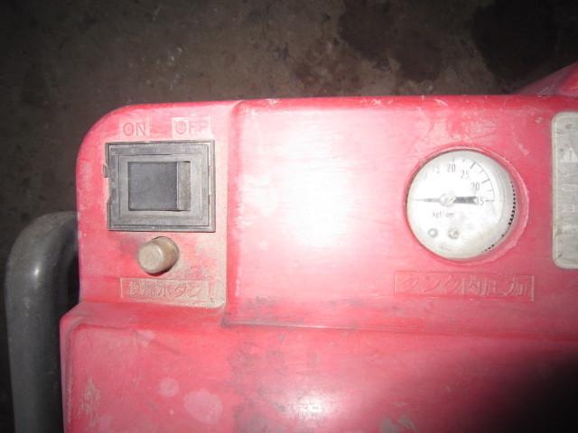 A代【石3102145】エアーコンプレッサー 日立 PA-1300H 100V 9リットルタンク 吐出95リットル/分 0.88Mpa圧力_画像4