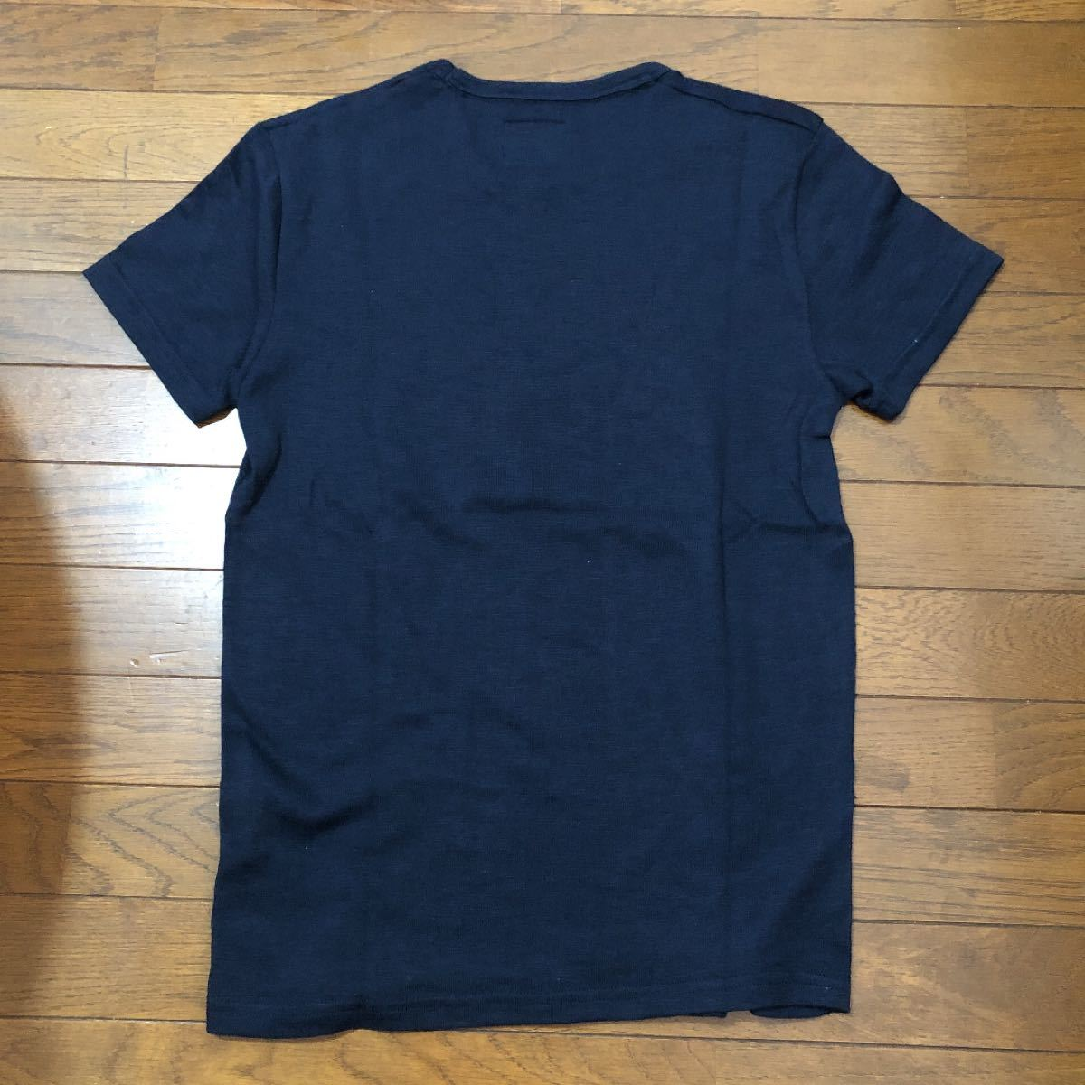 Abercrombie & Fitch アバクロ Tシャツ