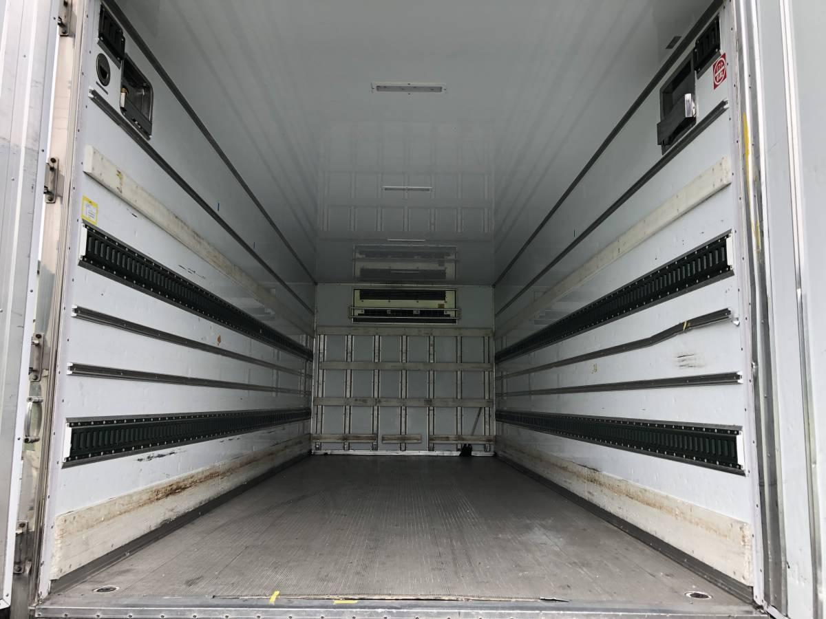 「三菱ファイター 冷蔵冷凍車トプレック製 低温設定 格納ゲート付 H27年式 ワイド・ 後輪エアサス」の画像3