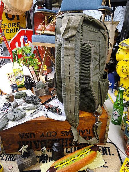 【146316】パラシュート部隊が使うバッグがモチーフ★フライングボディバッグ ボディバッグ/ワンショルダー(アーミーグリーン)/ミリタリー_画像2