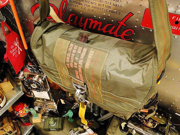 【83528】パラシュート部隊が使うバッグがモチーフ★フライングボディバッグ マセットバッグ(アーミーグリーン)/アメリカ雑貨/ミリタリー/_画像1
