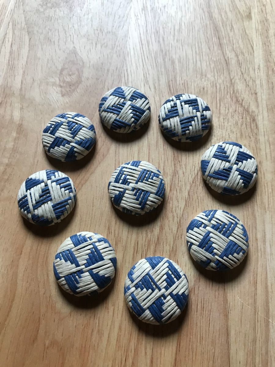 柄編み カボション  くるみボタン 10個 青