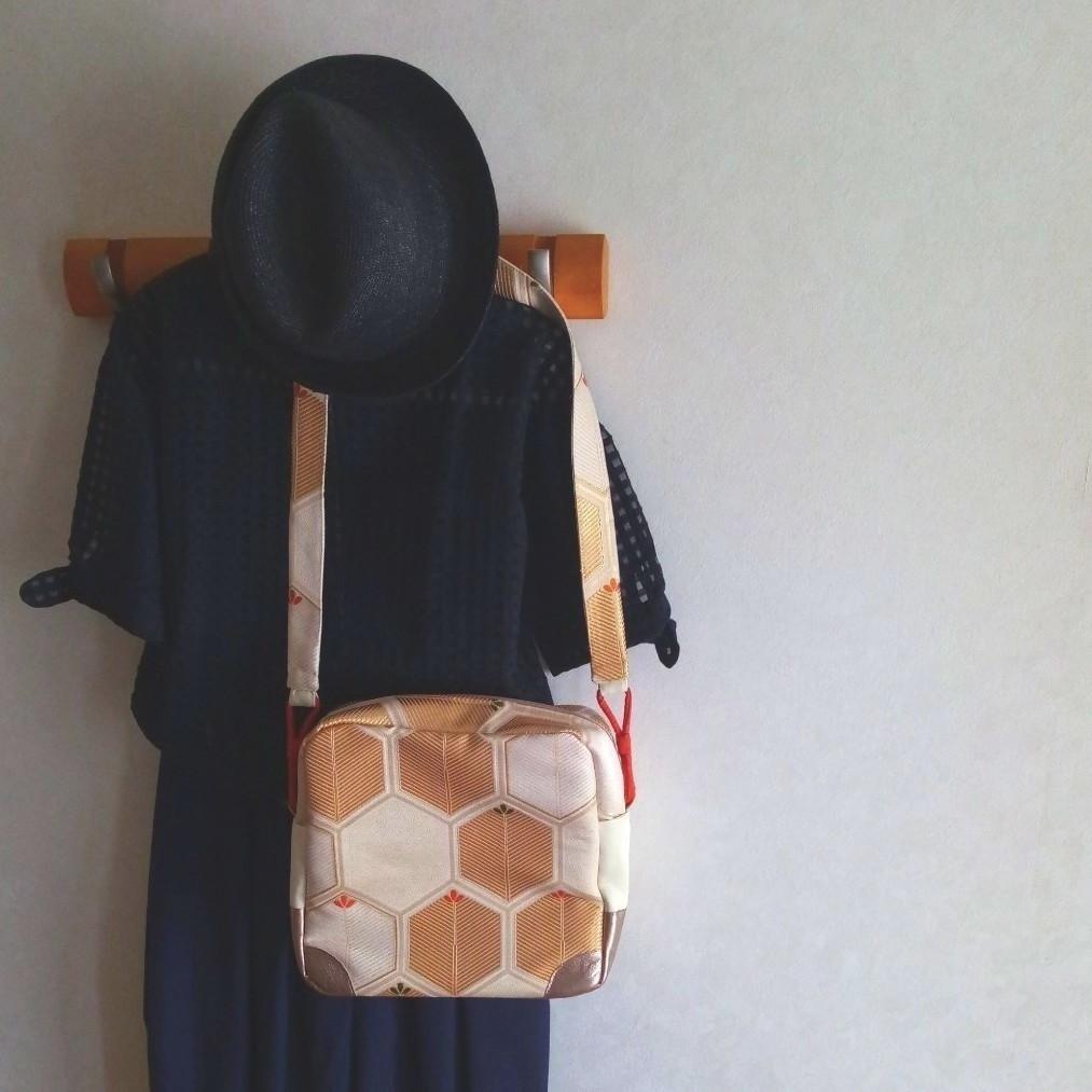 《着物リメイク》スクエア ショルダーバッグ 亀甲松/正絹/本革 和モダン