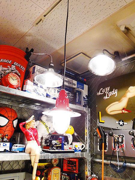 【77238】外国の雰囲気漂うお部屋作りにイチオシの照明!ダルトン アルミニュムペンダントライト(レッド)/アメリカ雑貨/おしゃれ/ランプ_画像2