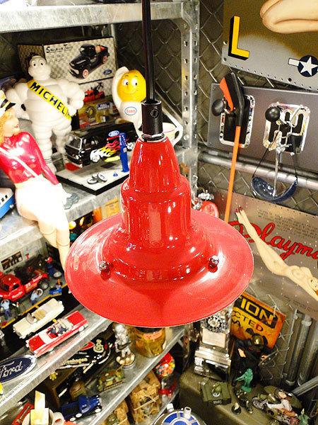 【77238】外国の雰囲気漂うお部屋作りにイチオシの照明!ダルトン アルミニュムペンダントライト(レッド)/アメリカ雑貨/おしゃれ/ランプ_画像4