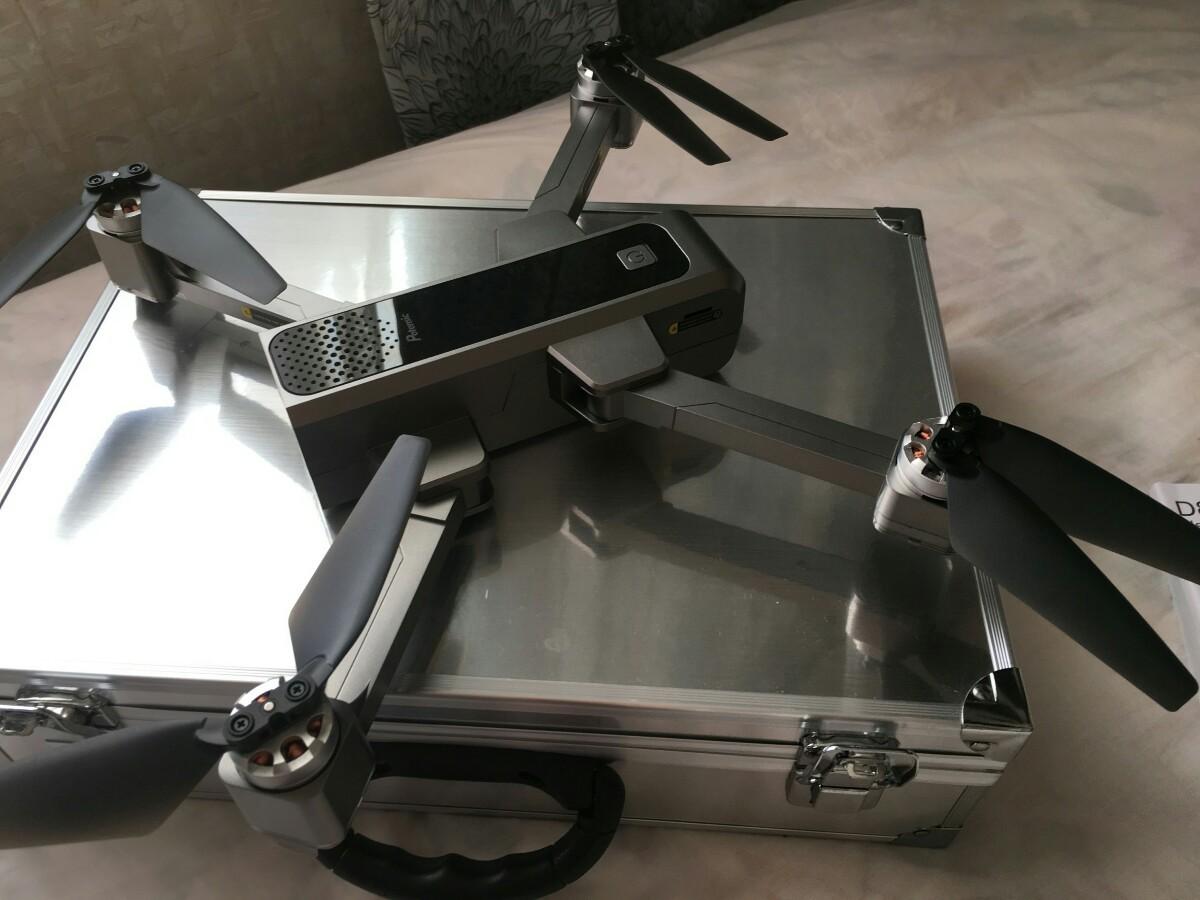 【海外向け】GPS搭載 折りたたみ式 2K HDカメラ付き ドローン