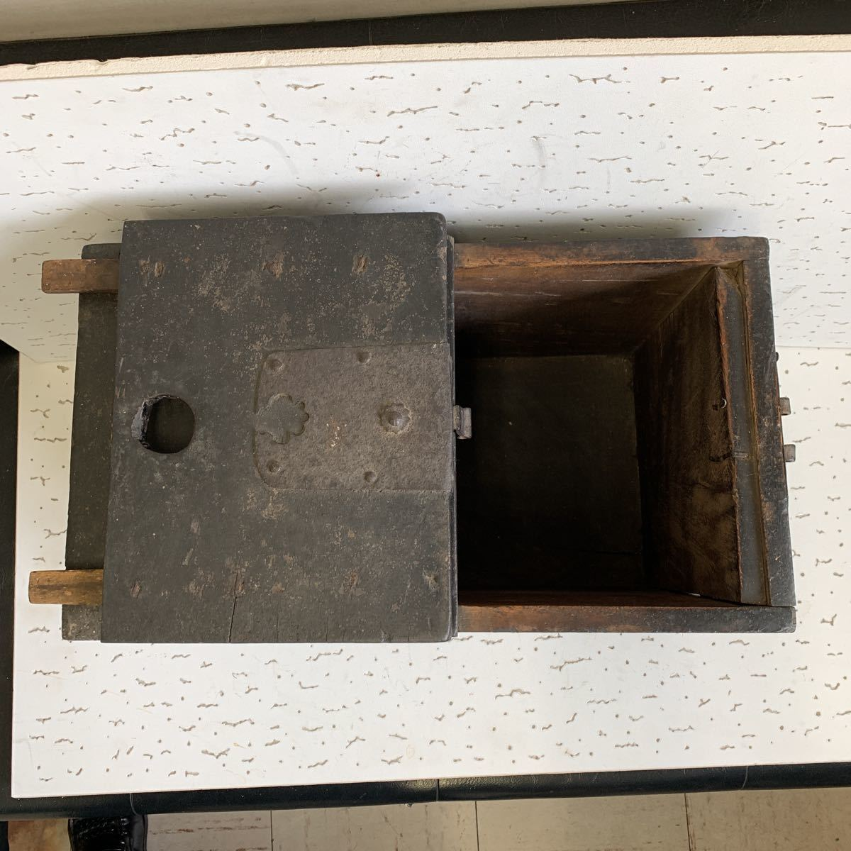 銭箱 古民具 欅 時代箪笥 金具打 47×26cm 高さ約31cm_画像7
