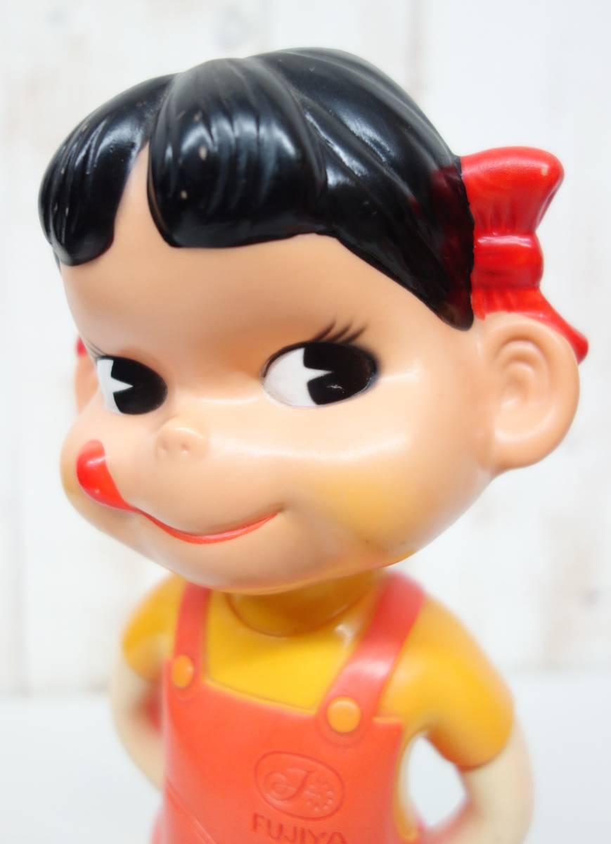 昭和レトロ RETRO *FUJIYA 不二家 ペコちゃん *首ふり人形 首振り  カウンター人形 ソフビ  店頭ディスプレイ *プラスチック台座_画像10