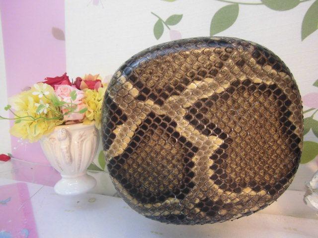 (送料無料)32.980円 沖縄三線専用チーガ(胴) 蛇皮本張り 写真は参考出品見本画像です。_画像6