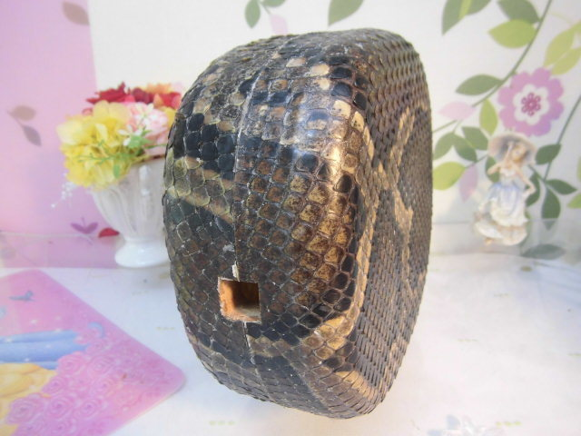 (送料無料)32.980円 沖縄三線専用チーガ(胴) 蛇皮本張り 写真は参考出品見本画像です。_画像8