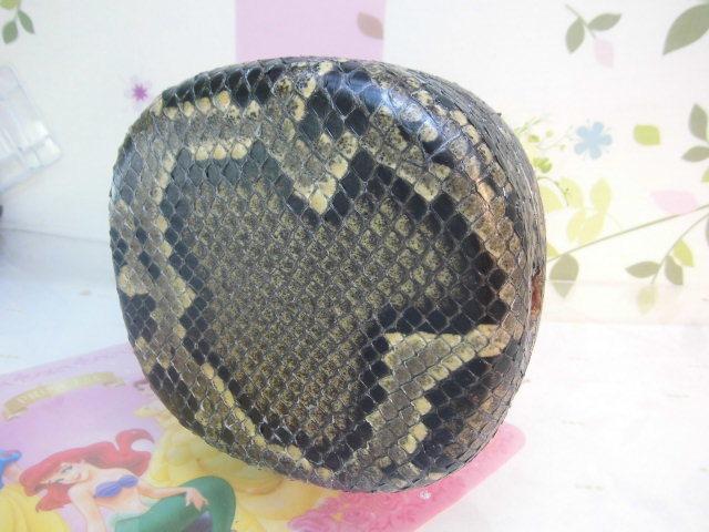 (送料無料)32.980円 沖縄三線専用チーガ(胴) 蛇皮本張り 写真は参考出品見本画像です。_画像9