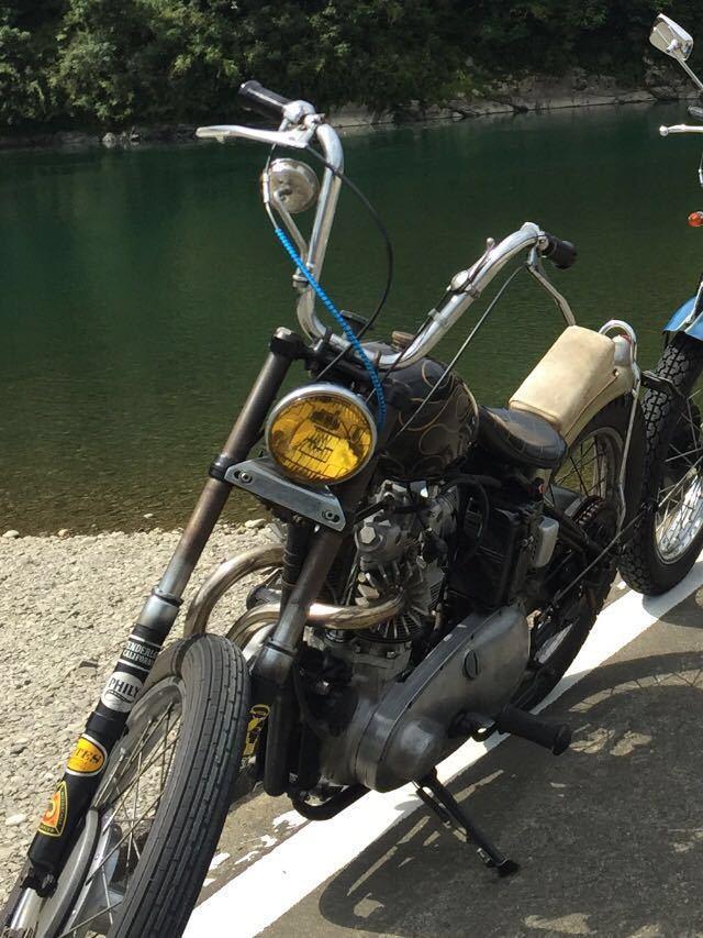 送料無料 族ZOKUバー 1inch nice motorcycle ナイスモーターサイクル ヘリングス フランダース Bates Flanders ナックル パン トライアンフ_取付時の様子です。