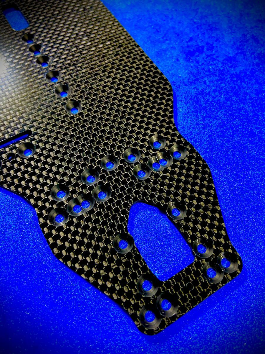 XRAY T4 2020 メインシャーシ 2.2㎜ 艶あり平織カーボン 日本製 蕨山Carbon 送料込み