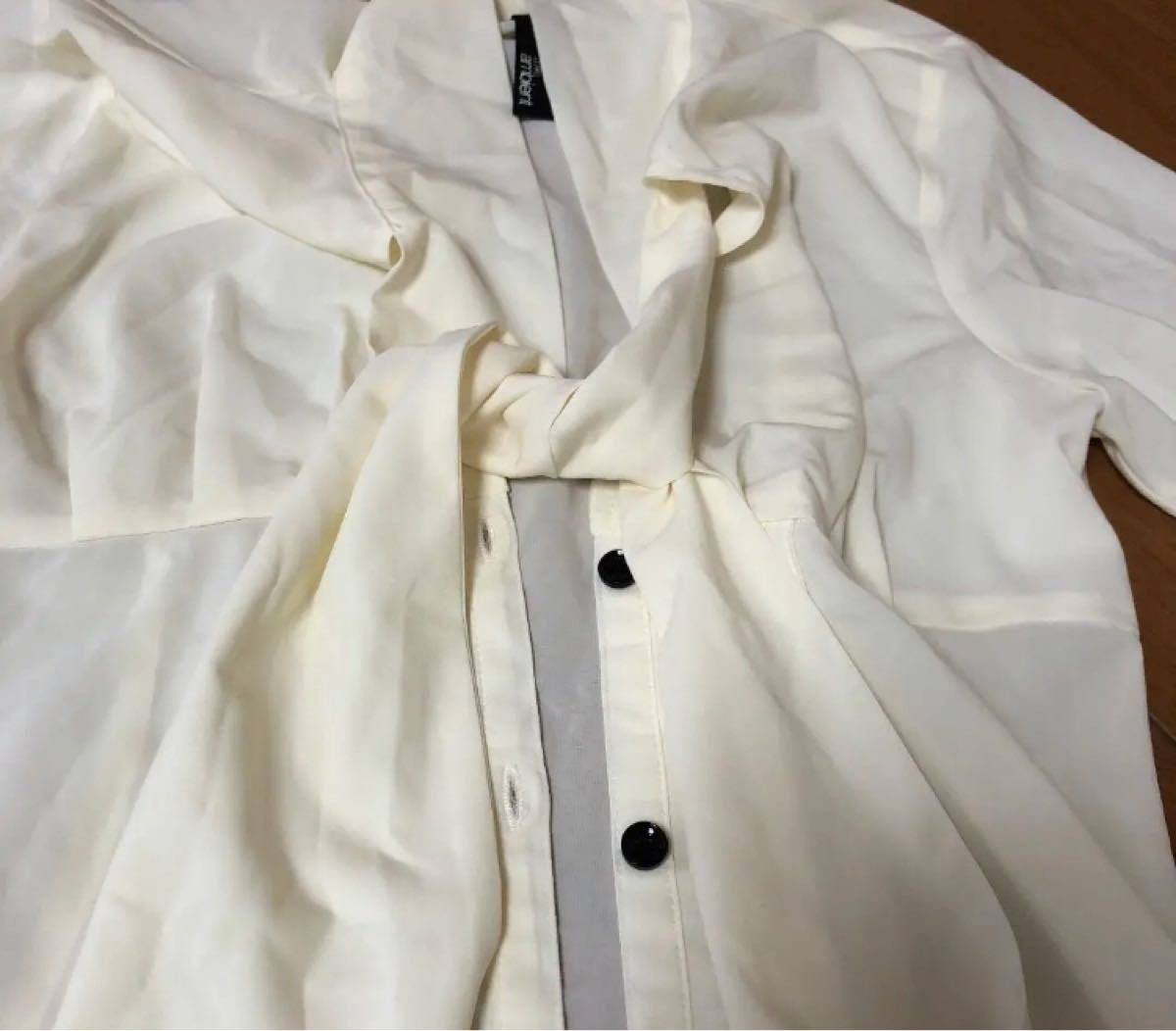 DURASambient 透けブラウス 長袖 ストール風タイシャツ