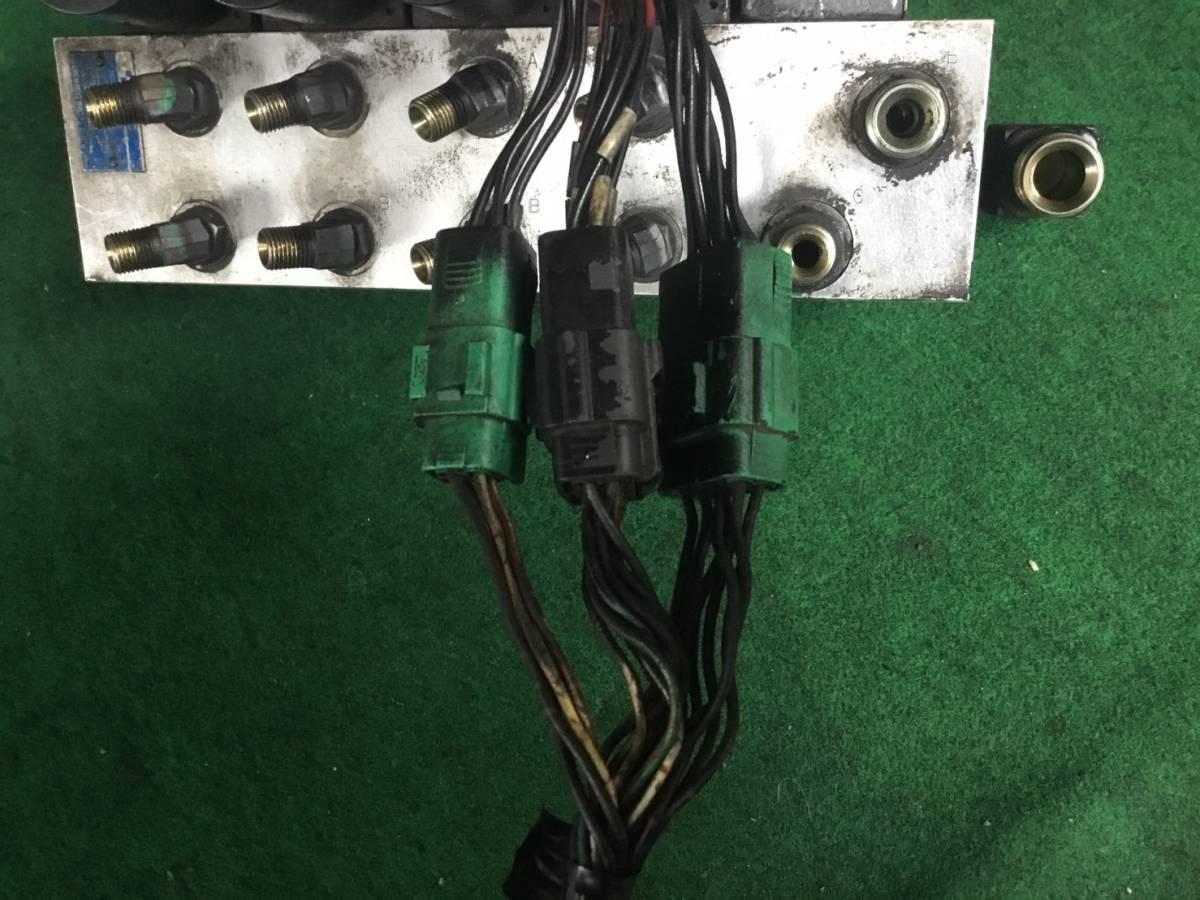 H.15年 アイチ 高所作業車 5分配 電磁バルブ ヤフオク ヤフオク X 20829 即日発送可 TOKYO KEIKI TOKIMEC_画像8