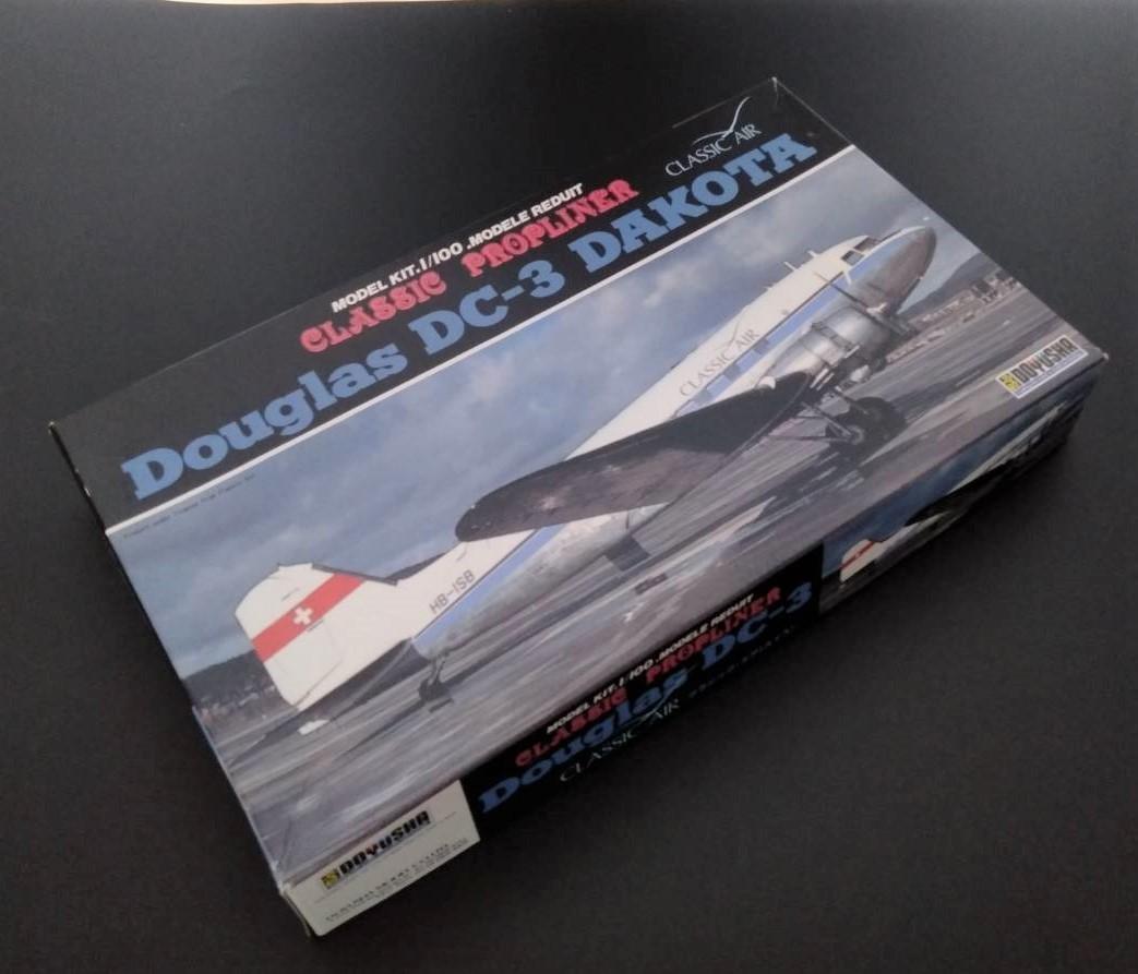 特別価格!飛行機 プラモデル スイス クラシックエア ダグラス DC-3 ダコタ 1/100 童友社 CLASSIC AIR Douglas DAKOTA フィギュア MG24Z5N0