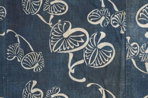 1395A1◆ボロ◆襤褸◆型染め◆葵の葉◆藍染木綿古布◆4幅◆継ぎ接ぎ◆継ぎ当て◆布団皮◆リメイク素材_画像6