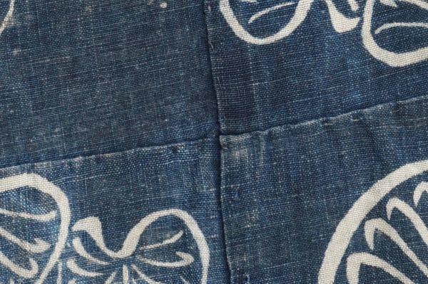 1395A1◆ボロ◆襤褸◆型染め◆葵の葉◆藍染木綿古布◆4幅◆継ぎ接ぎ◆継ぎ当て◆布団皮◆リメイク素材_画像7