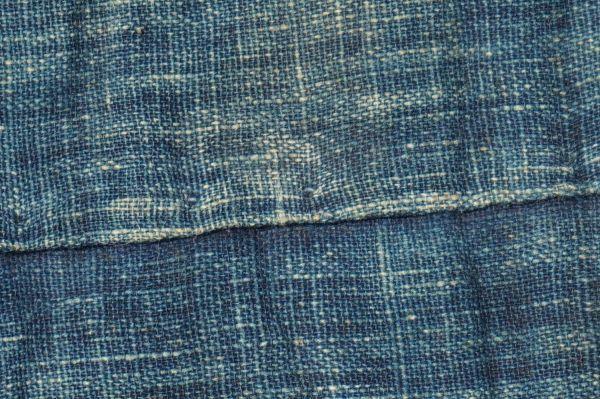 1468B5◆昔の布団◆綿入り◆藍無地◆格子◆枯れ藍◆藍染木綿古布◆アンティーク◆リメイク素材◆JAPAN BLUE_画像5