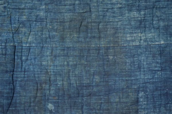 1468B5◆昔の布団◆綿入り◆藍無地◆格子◆枯れ藍◆藍染木綿古布◆アンティーク◆リメイク素材◆JAPAN BLUE_画像2