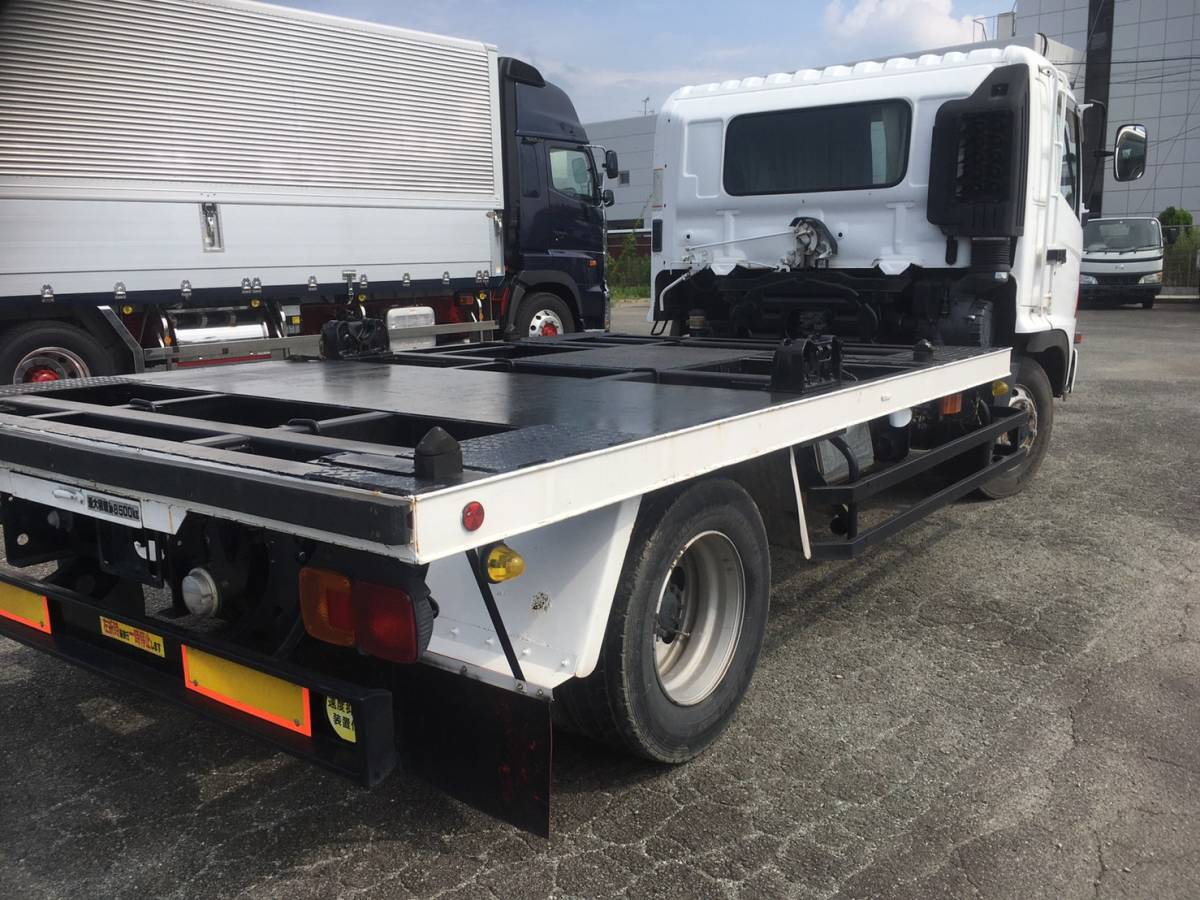 「H17 レンジャー コンテナ専用車 最大積載量8,500キロ ベッド付き」の画像3