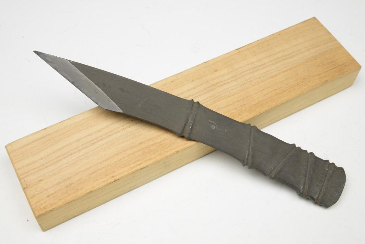 越後 三条 清久作 竹節小刀 桐箱入り 切出し 小刀 / 鉋 木工 切り出し 彫刻 大工道具 ナイフ【WA】