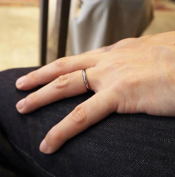 指輪 メンズ リング 2mm タングステン ニッケルフリー 金属アレルギー対応 シルバー マリッジ ピンキーリング【21号】_画像2