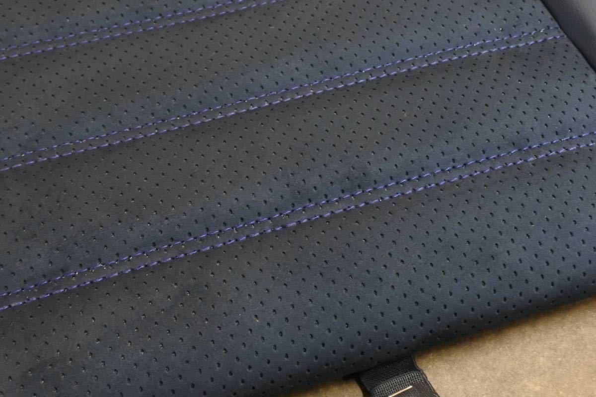 東レ 旧アルカンターラ 車両用 パンチング ブラック 裏生地ブルー 切り売り 0.5m~ ウルトラスウェード ultrasuede_ultrasuedeネイビーでの製作例