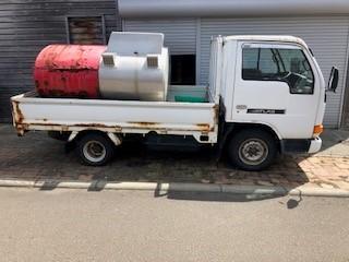 「平成8年 アトラス 灯油タンク車 990L  ガソリン車・エアコン付き 5F 抹消済み」の画像2