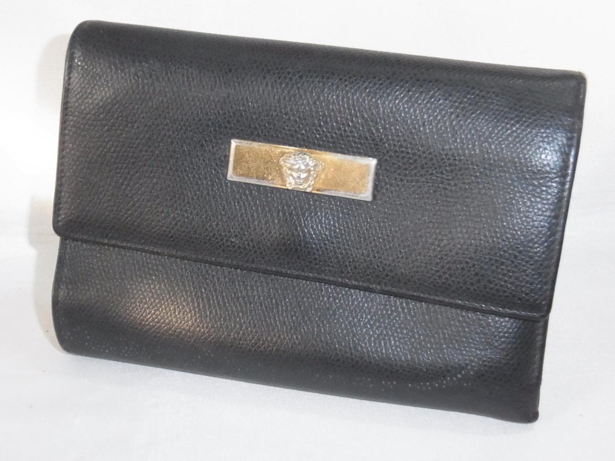 ヴェルサーチ VERSACE 三つ折りミドルサイズ長財布 メデューサ ブラック レザー 中古品_画像1