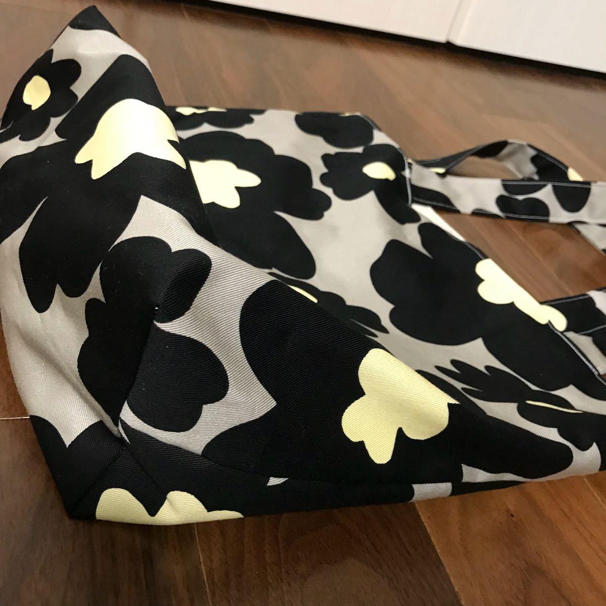 ハンドメイド トートバッグ マリメッコ風 北欧 花柄 黒