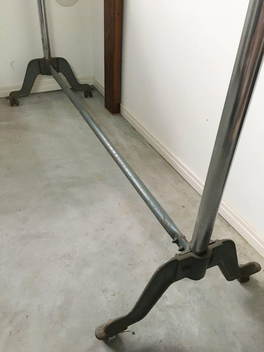 伸縮式のアイアンハンガーラック アンティーク インダストリアル 店舗什器 ビンテージ 古家具_画像3