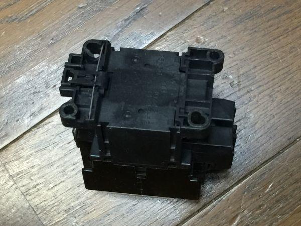 電子部品、パーツなど・・/   FUJI 富士電機 電磁接触器  SC-0J  BO45B_画像9