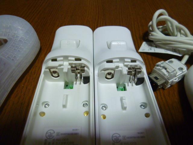RSJN095【送料無料】Wii リモコン ジャケット ストラップ  ヌンチャク 2個セット ホワイト 白(動作良好 クリーニング済)白