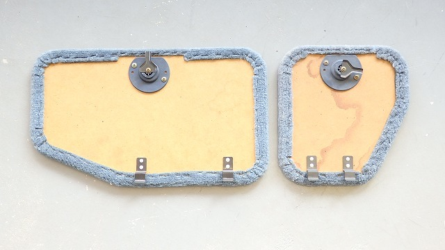 89-95 US トヨタ ピックアップ純正 リヤシート座部下のフタ RN・VZNの90系 GY_画像2