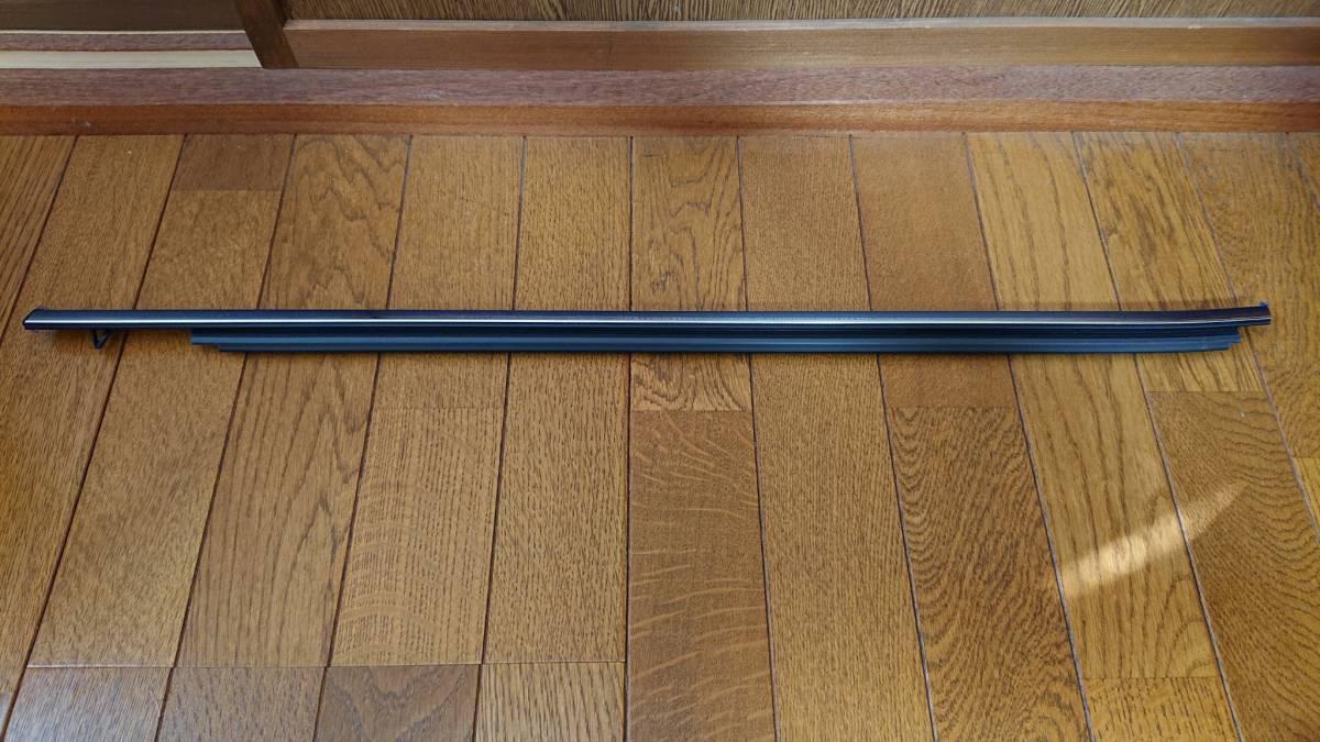 ♪TOYOTA トヨタ カムリ AXVH70 純正右前ドア水切り、ガラスモール 売り切り♪_画像1