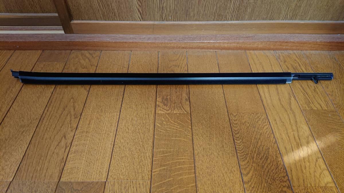 ♪TOYOTA トヨタ カムリ AXVH70 純正右前ドア水切り、ガラスモール 売り切り♪_画像5