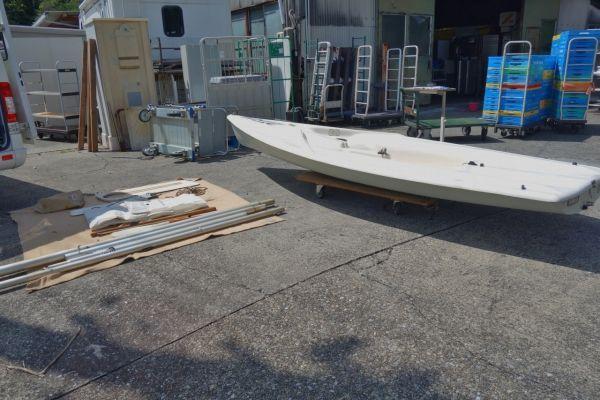 「静岡県/引取限定 427cm ヤマハ ヨット ディンギー YAMAHA 現状渡し」の画像1