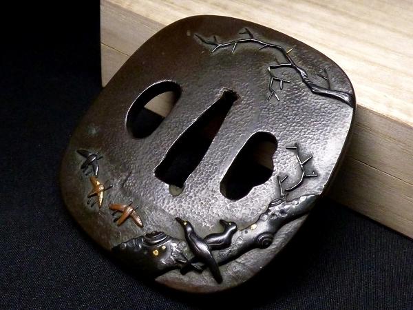 【刀装具 #1288】 石黒家を彷彿とさせる名作です! 鳥図 赤銅地 金象嵌色絵 鍔 桐箱付 【検:刀剣/拵え】_画像9